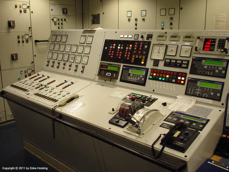 Engine Control Console : Menkent tales of a modern mariner gt pictures from